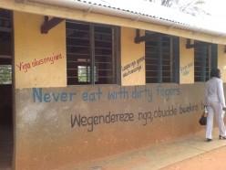Skoltoaletter på skola i Uganda från ett tidigare AMREF-projekt